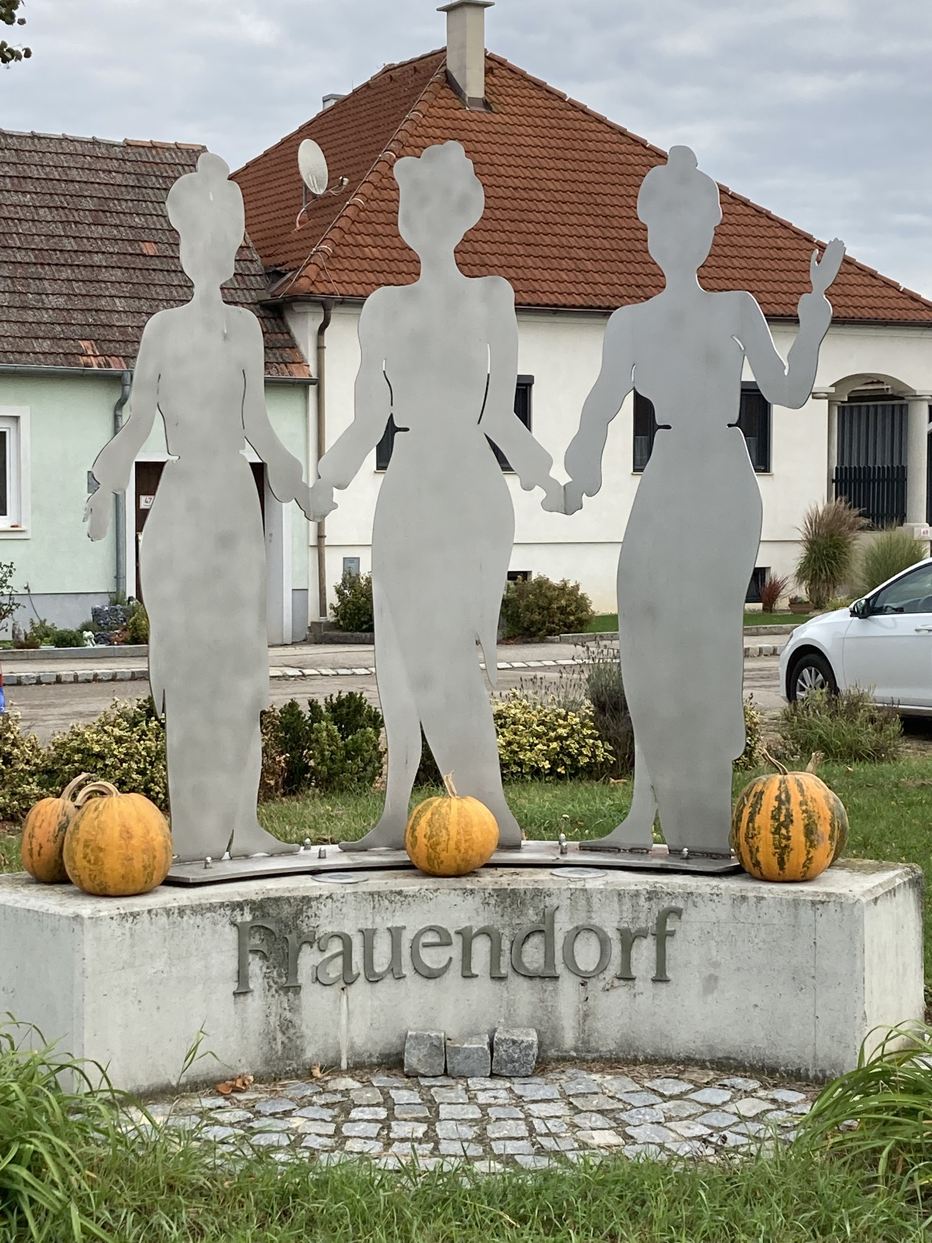 Der Dorferneuerungsverein wünscht einen schönen Herbst!